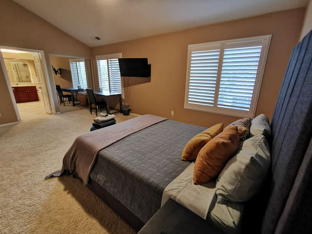 YaHome M Master Suite MemryFmQ 2Beds TV Bart Shops