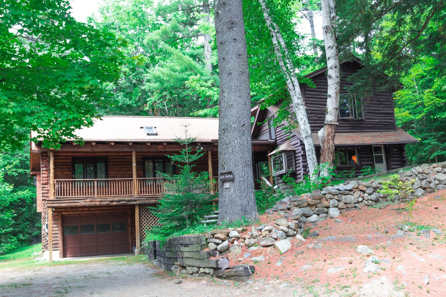 This large and lovely cabin has style and plenty of room for all!