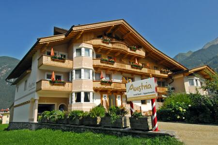 Doppelzimmer mit Bergblick - Mayrhofen