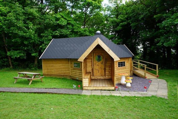 Gretel - The Woodland Retreat @ Kits Coty Glamping