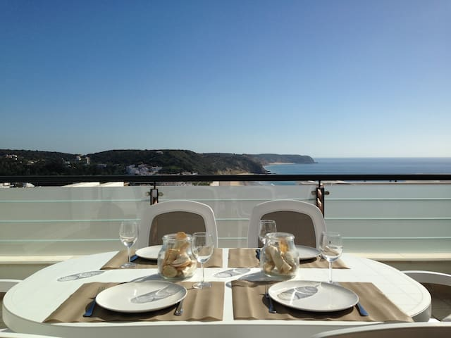 Salema house ocean view with pool