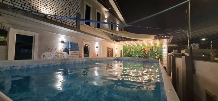 Leisure Swimming Pool Villa 乐园私人泳池民宿 25'x15' 23pax