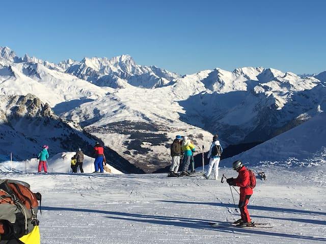 LES ARCS 1800-duplex cosy-6 pers. skis aux pieds