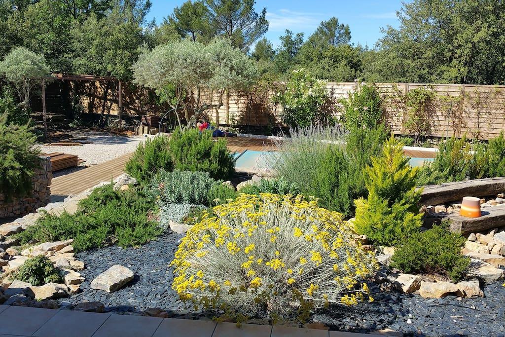 grande villa avec jardin et piscine villas for rent in saint maximin la sainte baume provence. Black Bedroom Furniture Sets. Home Design Ideas