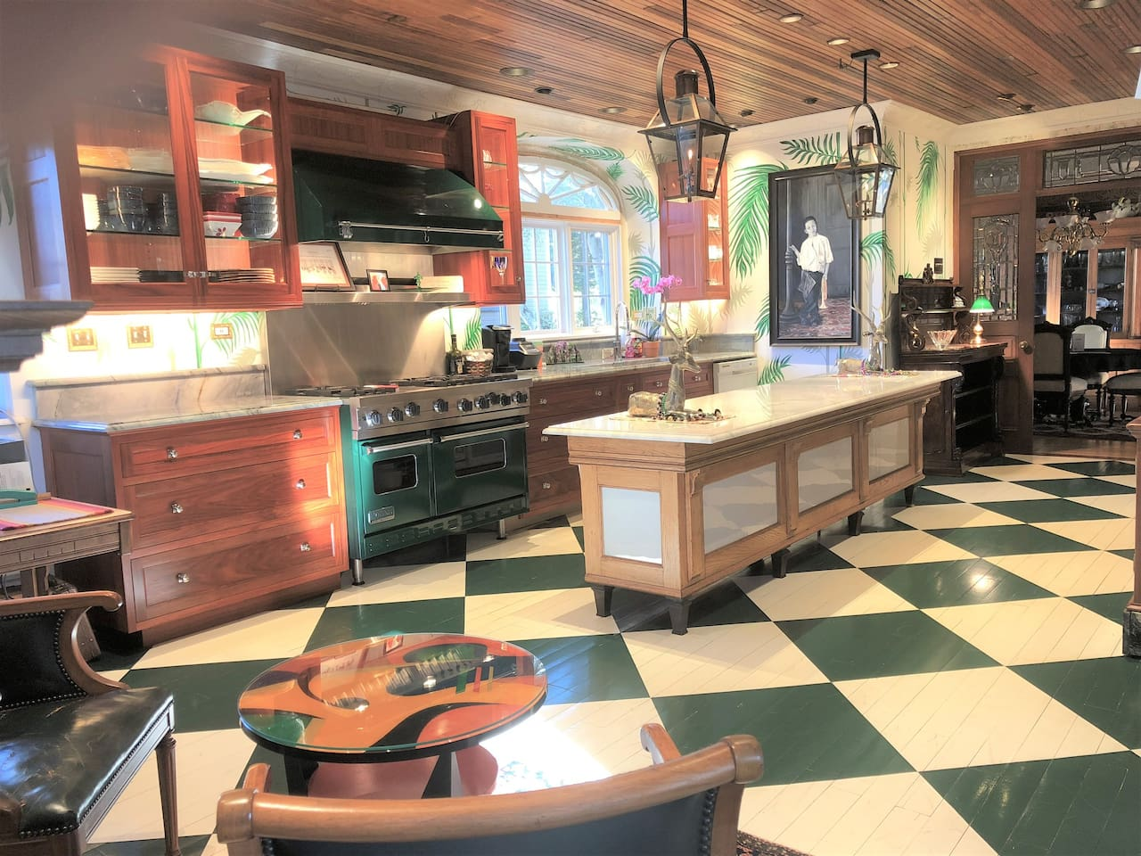 Relax in this amazing cook's kitchen