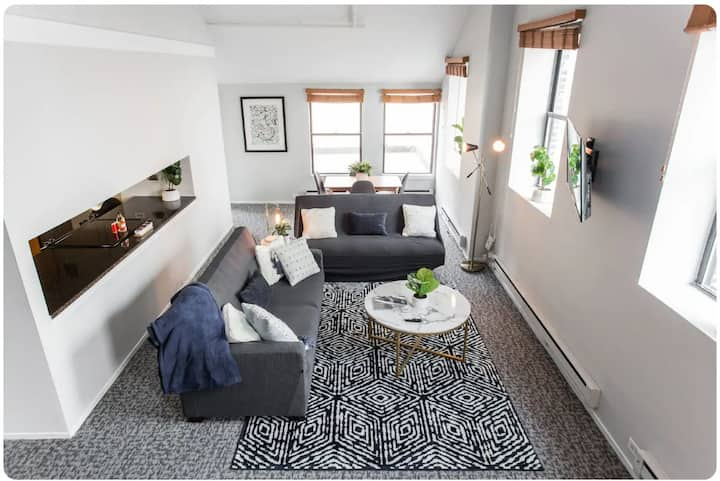 ★ 40% Off! CDC Cleaned ★ Penthouse @ Downtown! ➟ Unit 2