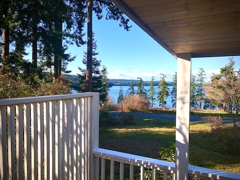 Marrowstone Cottage - Amazing Scow Bay View