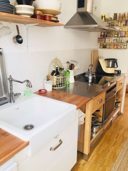 Kitchen sink and workspace