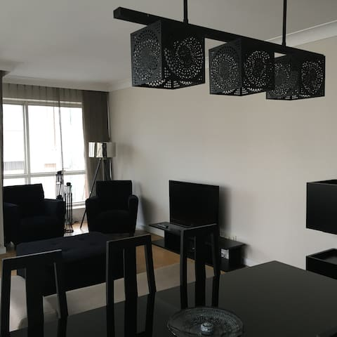 Comfortable Luxury house @  popular area - Kadıköy - Apartamento