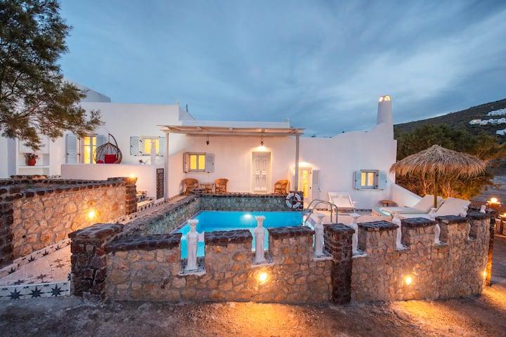 Starlight Luxury Seaside Villa