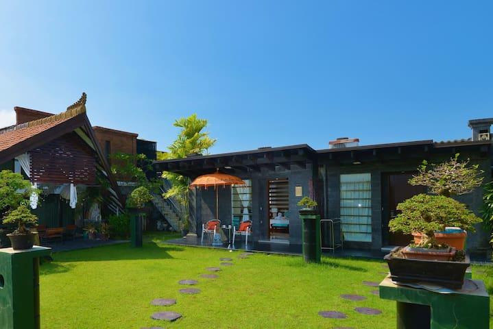 Cozy Penthouse with rooftop garden Seminyak Kuta