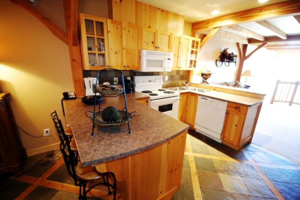 Excellent large kitchen