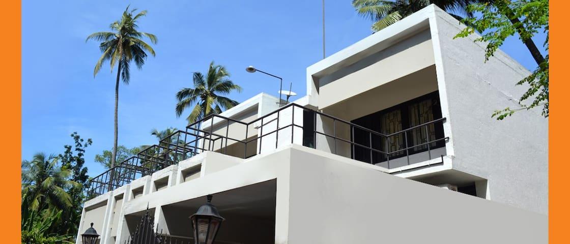 Ananthapuri Homestay Room FF2 - Thiruvananthapuram