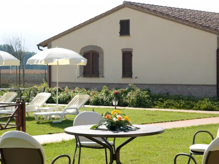 Country House in Cannara ID 3554