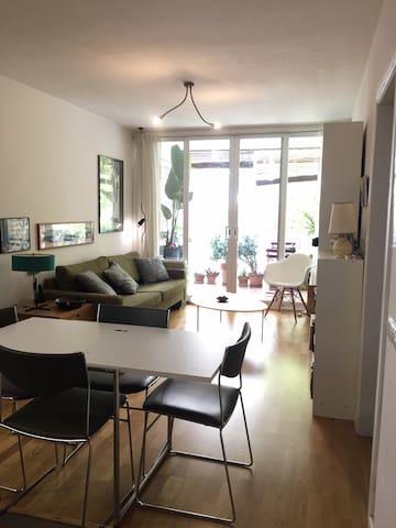 Charming apartment 15 mins to Maria Cristina Metro