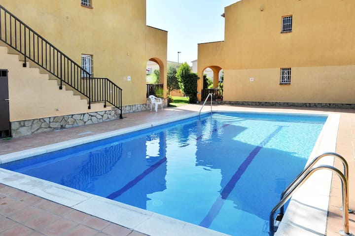 Tropicana: ground floor apartment in Riells.