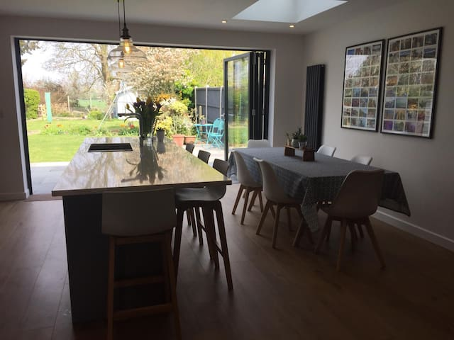 Family home near Chichester harbour & Goodwood