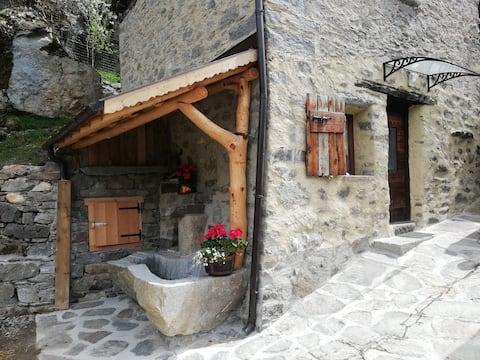 Valgrosina  hut