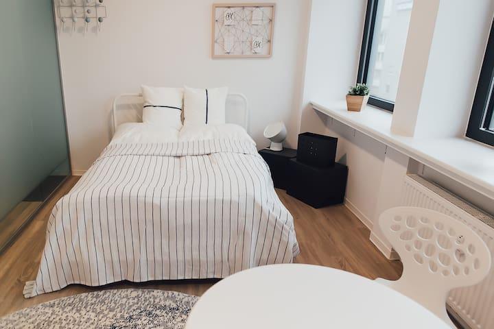 Louis & Louise  - Apartment 305