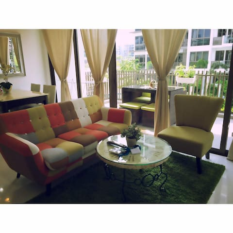 Peaceful Sanctuary in the East near Airport..