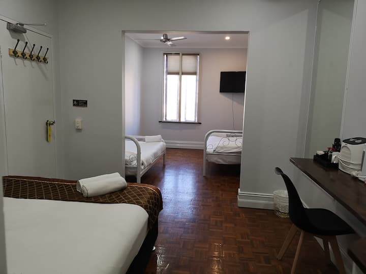 Triple room with private bathroom(Non-smoking)