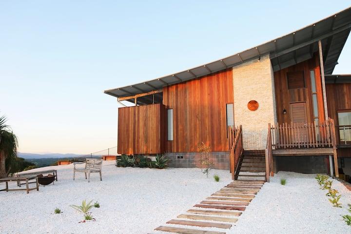 Temple Farmhouse - Byron Bay Hinterland