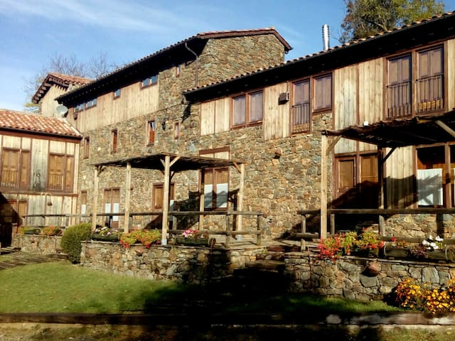 Stone mountain holiday cottage, Catalan Pyrenees.