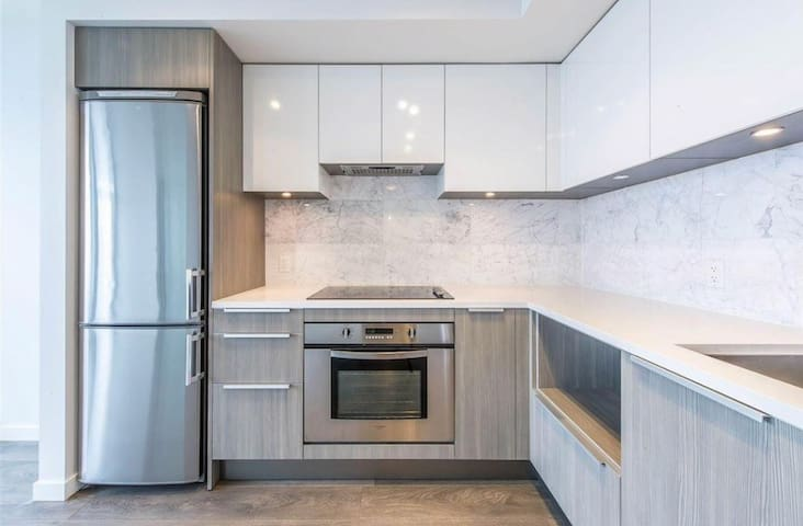 Metrotown Vancouver Highrise Modern&Convinent Apt