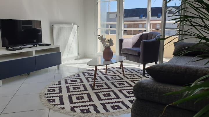 Chambre Privée dans Bel Appartement Evry Center