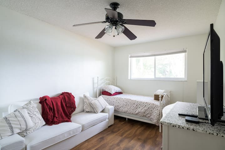 Quite Comfortable Room w/ Twin Bed - Pembroke Pines - Casa