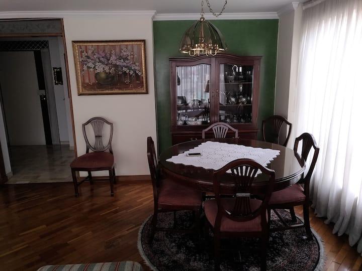 Cómoda habitación con cama sencilla La Castellana