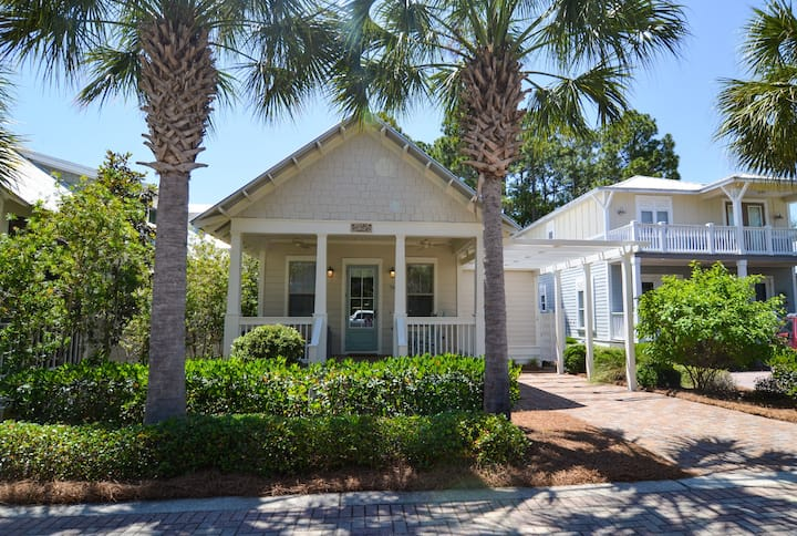 Irresistible 3 Bed/2 Bath Coastal Home, Sleeps 6