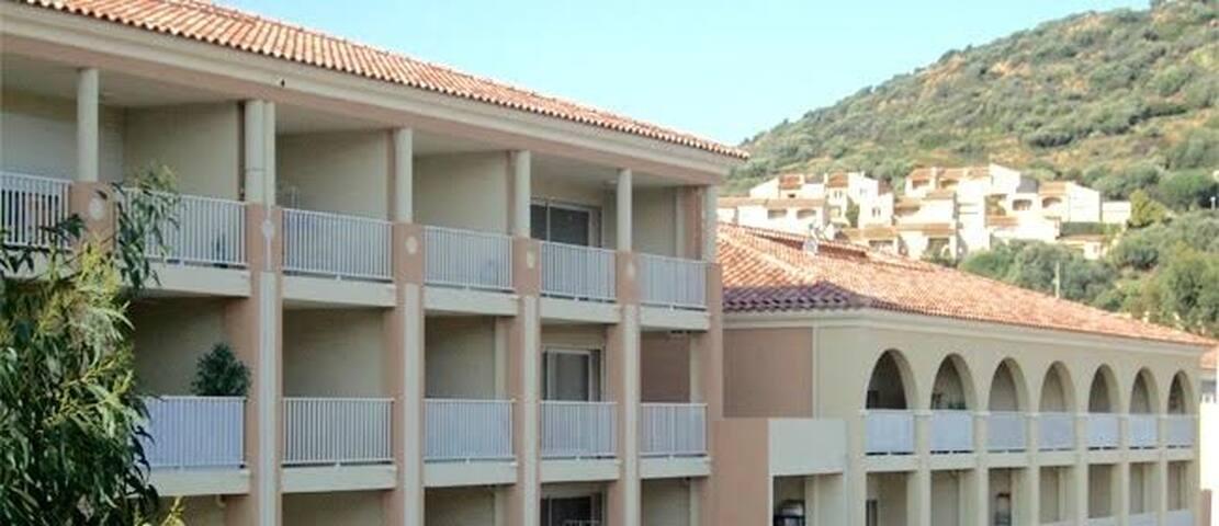 Jolie T2 à la location saisonnière - L'Ile Rousse  - Apartmen