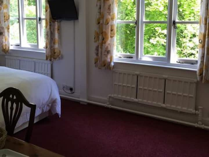Double Room Riverside at The Cottage Inn