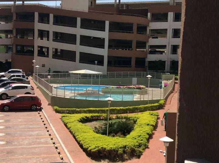 Apartamento  amoblado, con piscina