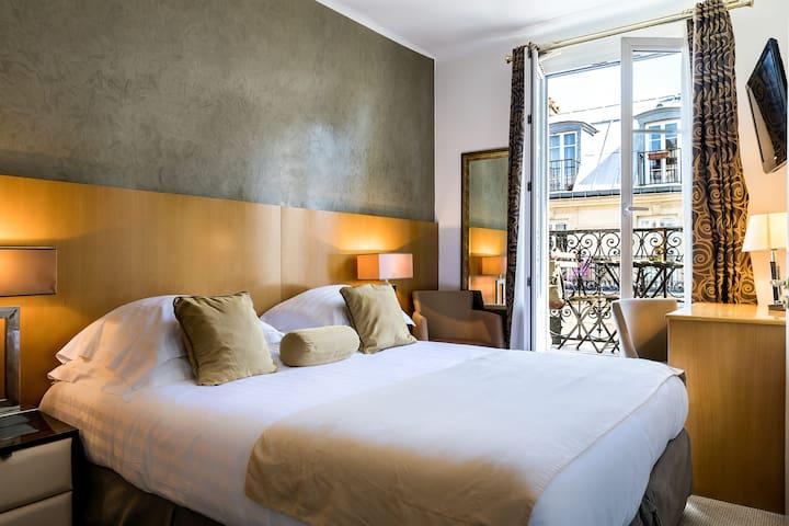 Hôtel Boronali *** - Room w/ Balcony in Montmartre