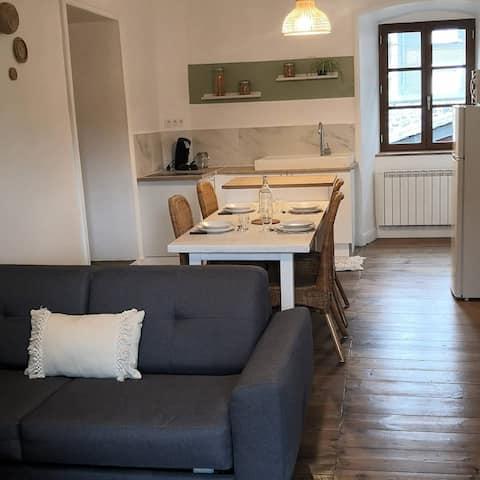 Bel appartement rénové en plein cœur de Murat