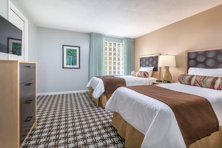 Victoria, CAN - Entire 2 Bedroom Penthouse Condo