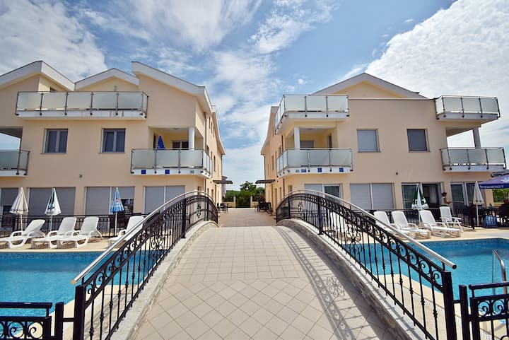 814 Apartment Funtana - One Bedroom Apartment with Pool and Balcony