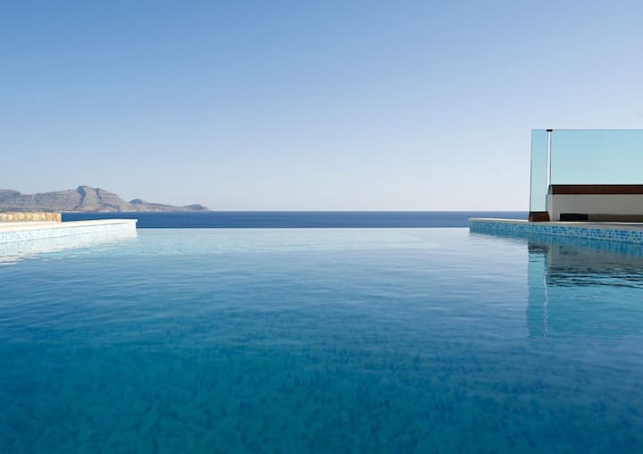 Villa Verna, Lindos with Infinity Pool & Sea Views