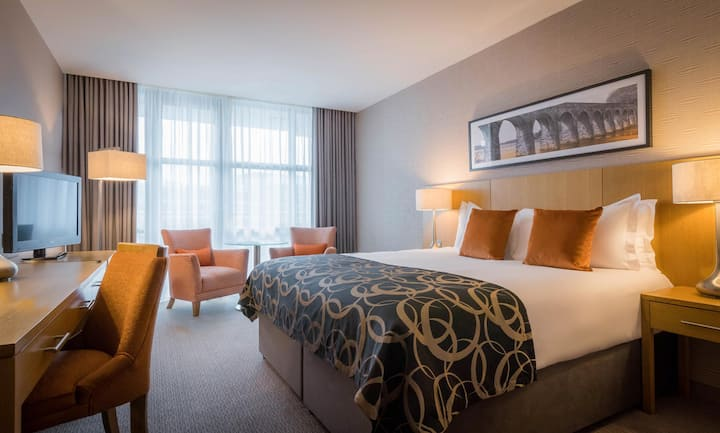 First Class Double Deluxe Double Bed At Galway