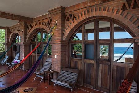 """Room """"Luna Nueva"""" en Casa 3 Lunas"""