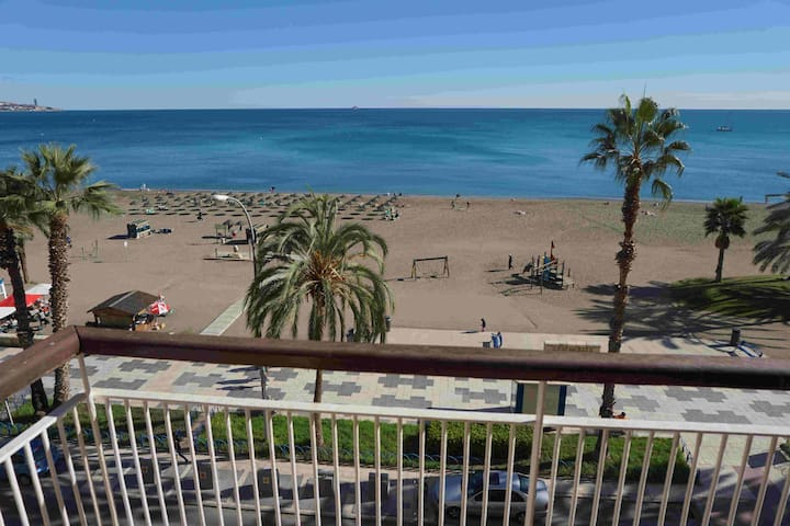 Beachfront apartment in the center of Malaga