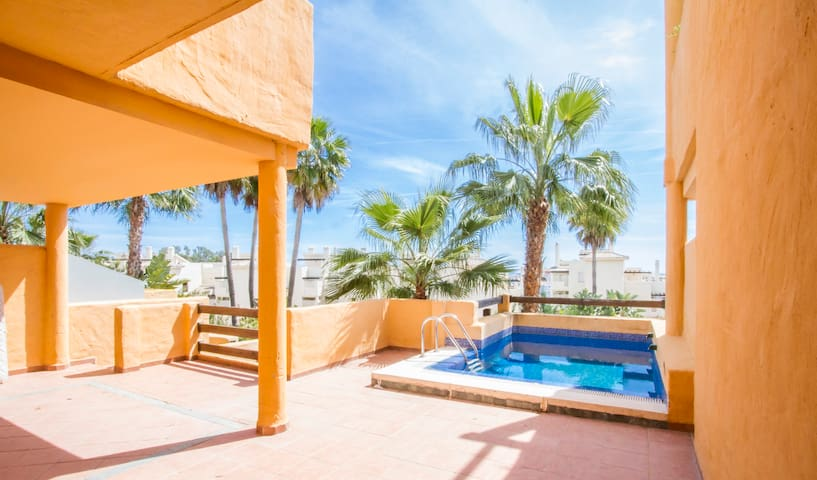Very luminous house with terrace and pool 5 - Estepona - Hus
