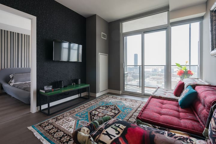 ❤️ Stylish Cozy Apartment w Downtown Toronto Views