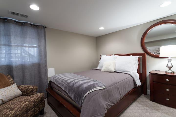 Fourth bedroom - basement Queen bed