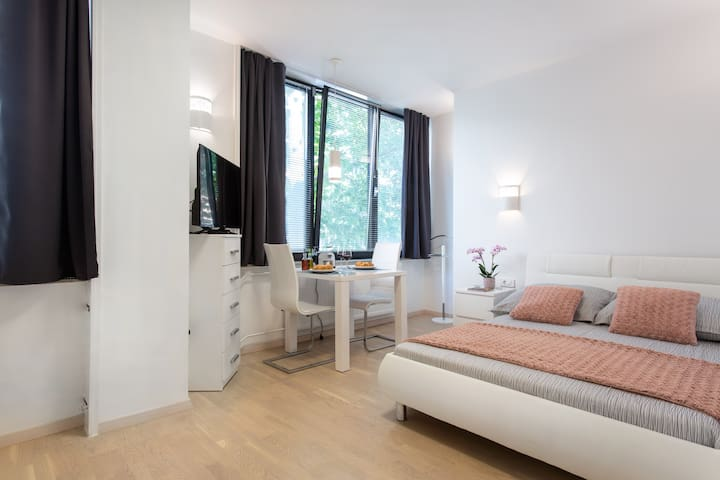 Luxury Great View Studio in the City Centre