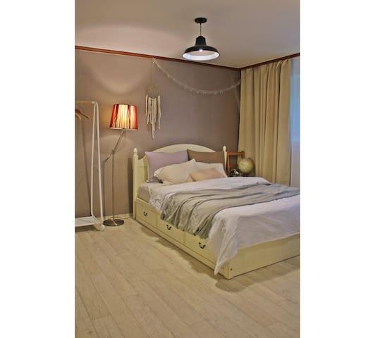 COZY room near Hongdae area - seodaemun-gu  - Haus