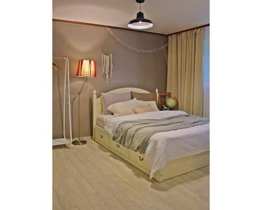 ::NEW:: Private room near Hongdae - seodaemun-gu  - 一軒家
