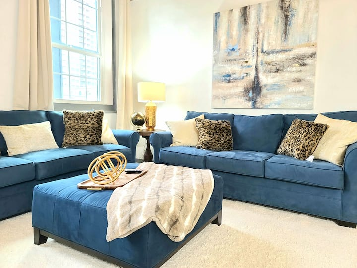 Penthouse Suite Downtown New Orleans - Walk to FQ!